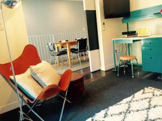 2Bdr+GARDEN, Safe, Quiet, Spotless and Stylish - Brooklyn vacation rentals