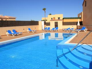 Nice Villa with Washing Machine and Shared Outdoor Pool - Corralejo vacation rentals