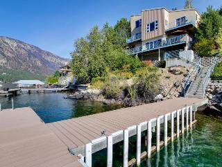 Modern dog-friendly lakefront chalet, shared dock/hot tub! - Manson vacation rentals