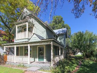 Remodeled Victorian in downtown Durango w/ backyard w/hammock & covered patio! - Durango vacation rentals