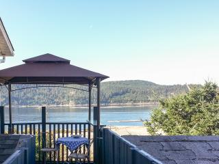 Fully Furnished, Lovely Quiet Short Term-1 Bedroom - Port Alberni vacation rentals