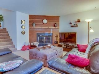 Lake views, Close to Skiing, Fishing, & More! - Silverthorne vacation rentals