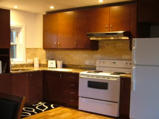 2 bedroom/chambres appartement - Quebec City vacation rentals