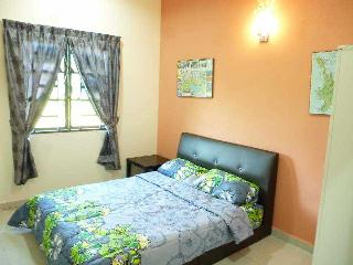 2 bedroom House with Internet Access in Sepang District - Sepang District vacation rentals