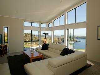 Spacious House with Dishwasher and Corporate Bookings Allowed - Whangarei vacation rentals