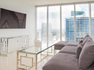 Crisp 2 Bedroom Apartment in Brickell - Miami vacation rentals