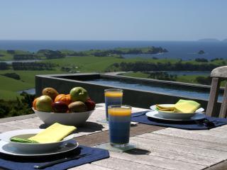 Aria - a coastal retreat with heated Pool - Whangarei vacation rentals