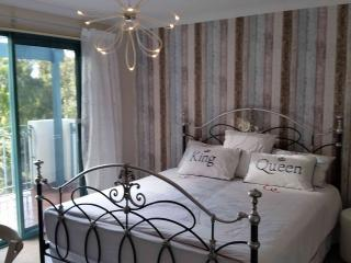 Perfect 3 bedroom Connolly House with Internet Access - Connolly vacation rentals