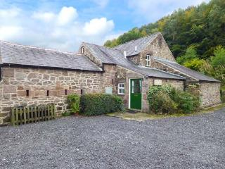 OAK TREE COTTAGE, character cottage, Smart TV, parking, beautiful grounds and walks, Cromford, Ref. 914759 - Cromford vacation rentals