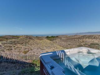 Oceanfront home for 14 with hot tub; next to state park - Fort Bragg vacation rentals