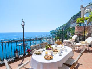 Afrodite - the most panoramic spot in town - Amalfi vacation rentals