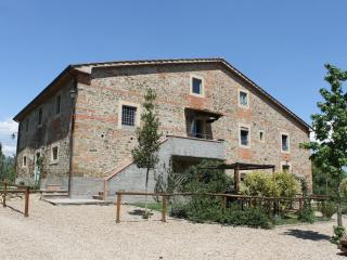 VERDE apartment - Dimore di Poggianto - Pergine Valdarno vacation rentals