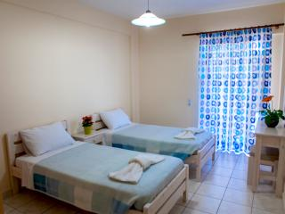 Apartment in Tolo for up to 4 persons - economical - Tolon vacation rentals