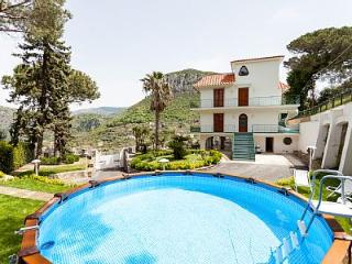 New 4 bedrooms Villa with sea view in Sorrento - Piano di Sorrento vacation rentals