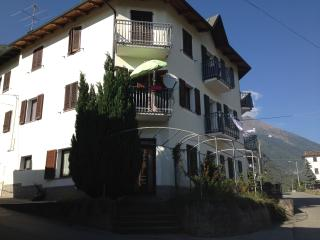 La vostra casa vacanze in Valtellina - Villa Di Tirano vacation rentals