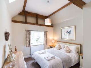 St Agnells B&B Redbourn Hertfordshire - Redbourn vacation rentals