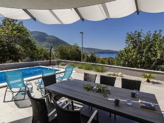 Pool Villa Periska Komiza - Komiza vacation rentals