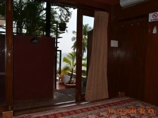 Casa Tropicana - Villa Tidina, R105 - Panaji vacation rentals