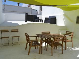 Casa Almirante Reis - Traditional Townhouse - Olhao vacation rentals