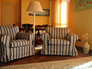 Santa Cecilia - Two bedroom apartment SUPERIOR - San Vincenzo vacation rentals