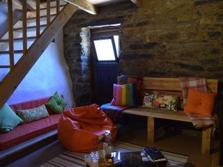 Cozy Proenca-a-Nova vacation Farmhouse Barn with Swing Set - Proenca-a-Nova vacation rentals