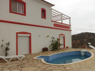 Big Villa with swiming pool and snooker, Wi-Fi - Tavira vacation rentals