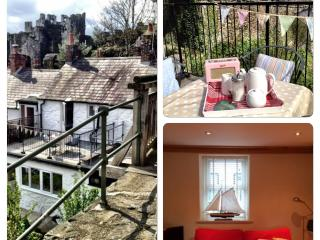 CASTLEVIEW COTTAGE - FABULOUS VIEWS & FREE WIFI - Conwy vacation rentals