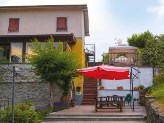 Cozy 1 bedroom Beverino B&B with Internet Access - Beverino vacation rentals