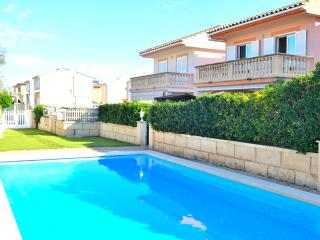Economic Villa 300 meters from the beach - Puerto de Alcudia vacation rentals