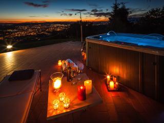 VillaCristinaTuscany-panoramic pool and hot tub! - Arezzo vacation rentals