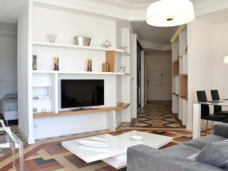 SUNNY ART DECO APARTMENT WITH VIEWS IN MONTPELLIER - Montpellier vacation rentals
