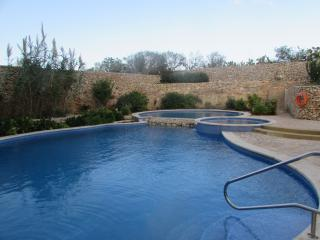 Ta' Kilina modern apartment with communal pool - Qala vacation rentals