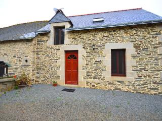 Lovely House with Internet Access and Shared Outdoor Pool - Noyal Pontivy vacation rentals