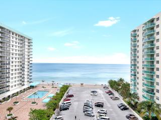 Amazing 2 Bedrooms + 2 bathroom on Hollywood Beach - Hollywood vacation rentals
