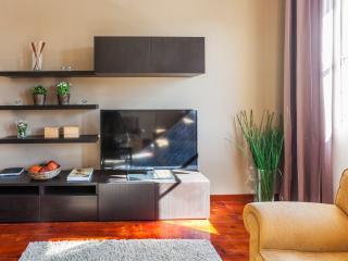 6 bedroom Condo with Internet Access in Porto - Porto vacation rentals