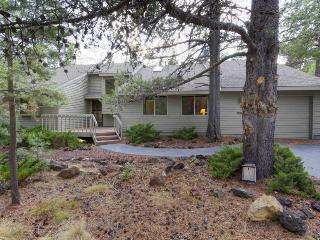 Dog-friendly Sunriver home with wrap-around patio and SHARC access - Sunriver vacation rentals
