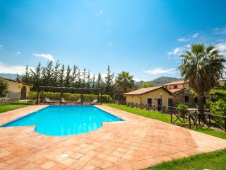 Spacious Villa with Internet Access and A/C - Pollina vacation rentals