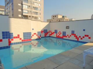 Apt steps to Paulista w/Gym, Laundry, & Pool - Sao Paulo vacation rentals