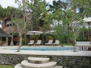 Aashaya Jasri Viila Ombak Candi Dasa Bali - Candidasa vacation rentals
