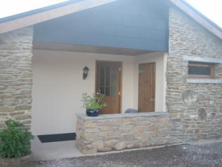 Lovely 1 bedroom Cottage in Llantrisant with Satellite Or Cable TV - Llantrisant vacation rentals