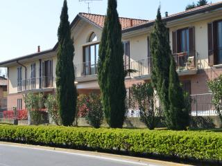 01Lake Garda New House, garden 3 bedrooms WiFi - Roè Volciano vacation rentals