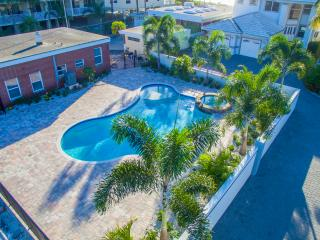 Gulf Sunset Oasis - 5 Bdrs - Beachfront - Indian Rocks Beach vacation rentals