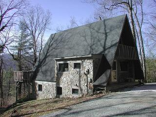 Charming Private Mountain Retreat with Hot Tub!!!! - Sugar Grove vacation rentals