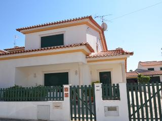 3 bedroom House with Deck in Entroncamento - Entroncamento vacation rentals