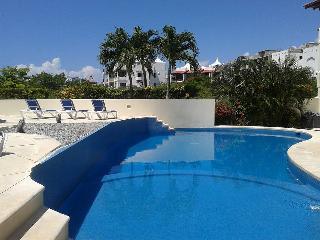 Perfectly located luxury condo in Playa del Carmen - Playa del Carmen vacation rentals