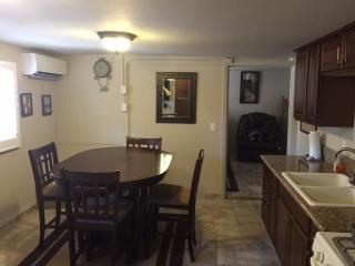 Cozy guest house in Point Loma - Pacific Beach vacation rentals