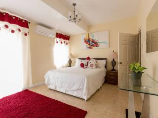 Kensington Place Apartment @ New Kingston - Kingston vacation rentals