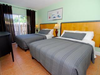 2BR Lrg Condo POOL GARDEN BBQ. 8 Guests *SPECIAL* - Dania Beach vacation rentals