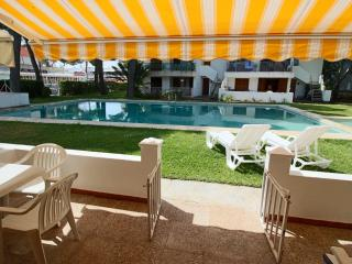 Excellent holidays at pool side townhouse. - Alcudia vacation rentals