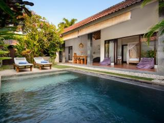 VILLA SAUDARA 1 - PRIME LOCALE, ONLY 75M TO BEACH - Bali vacation rentals